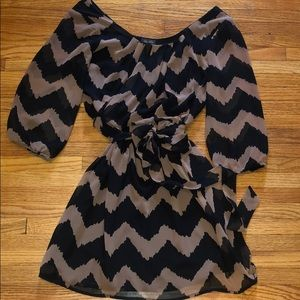 lily rose black/tan chevron dress